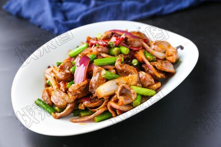 鸡胗炒蒜苔 - 找菜图