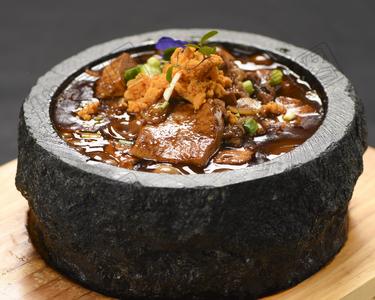 海胆石锅豆腐 - 找菜图