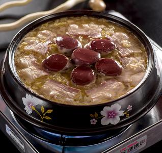 传统酸菜白肉血肠 - 找菜图