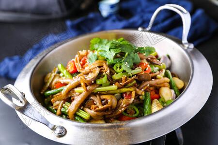 干锅鹿茸菌 - 找菜图