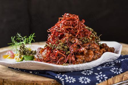 豆味鲜花椒烹汁小牛肉 - 找菜图