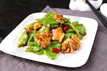青椒炒五花肉 - 找菜图
