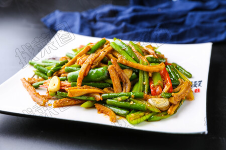 牛肚炒蒜苔 - 找菜图