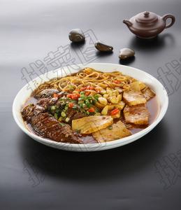 黄花鱼炖豆腐粉 - 找菜图
