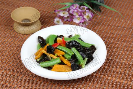 南瓜炒蜜豆 - 找菜图
